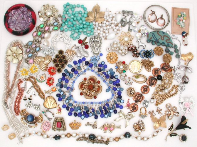 Vintage Costume Jewelry Lots 59